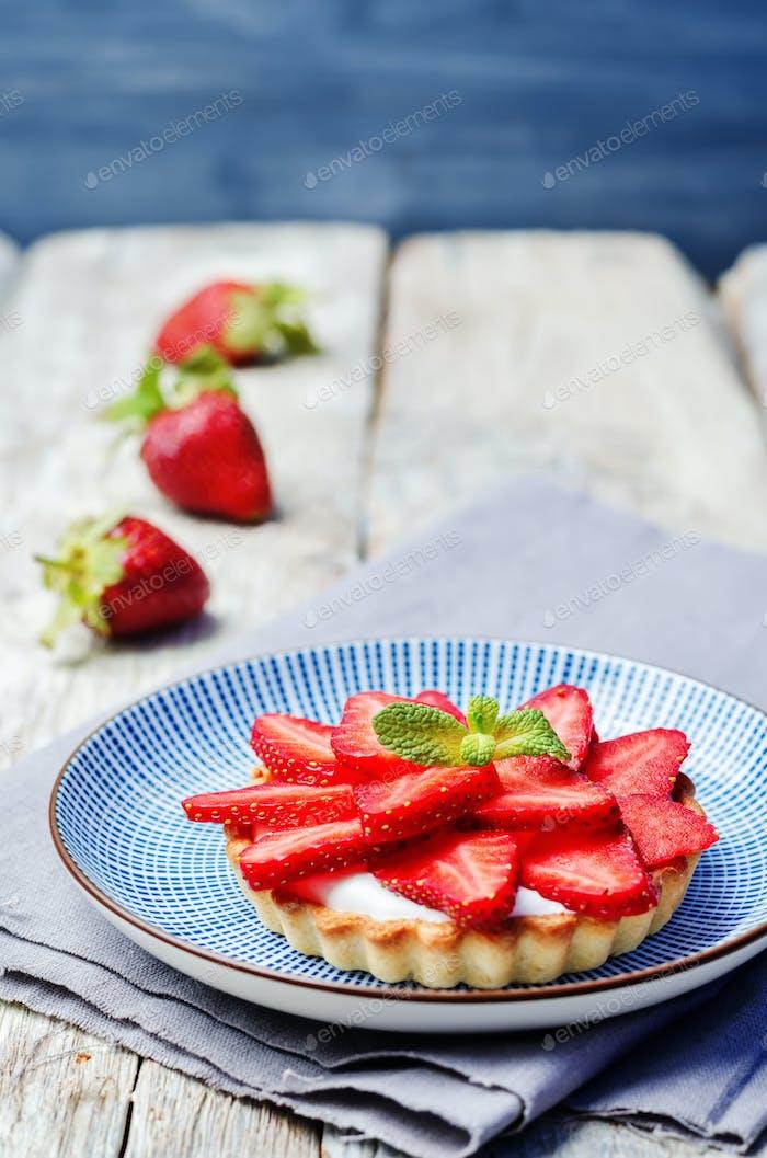 Erdbeer-Frischkäse-Törtchen