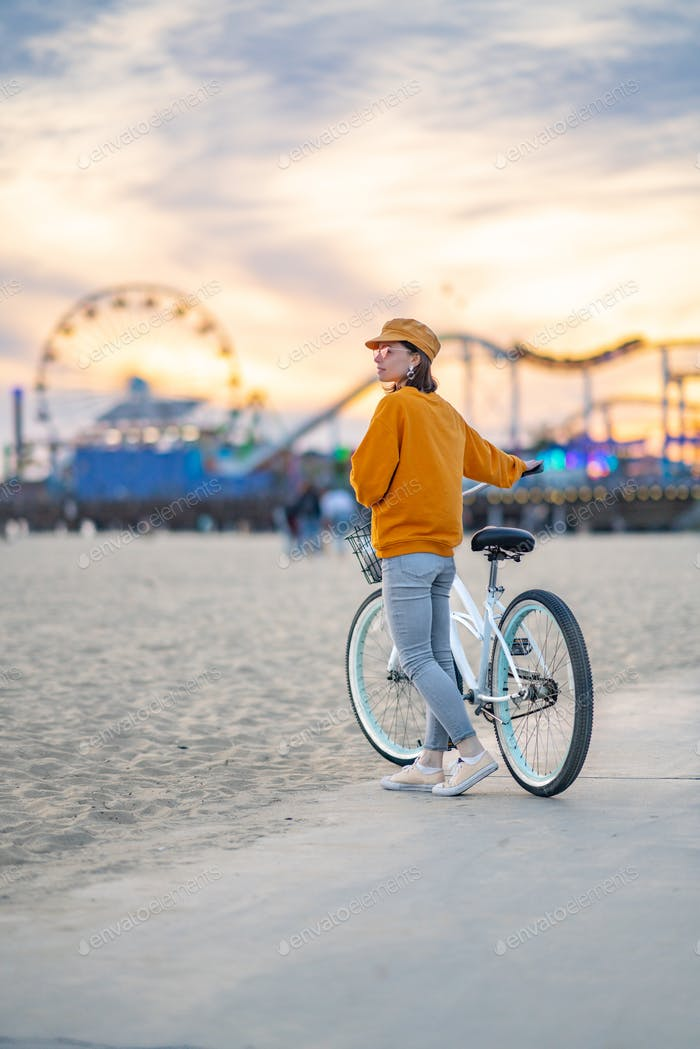 Young tourist with a bike in Los Angeles
