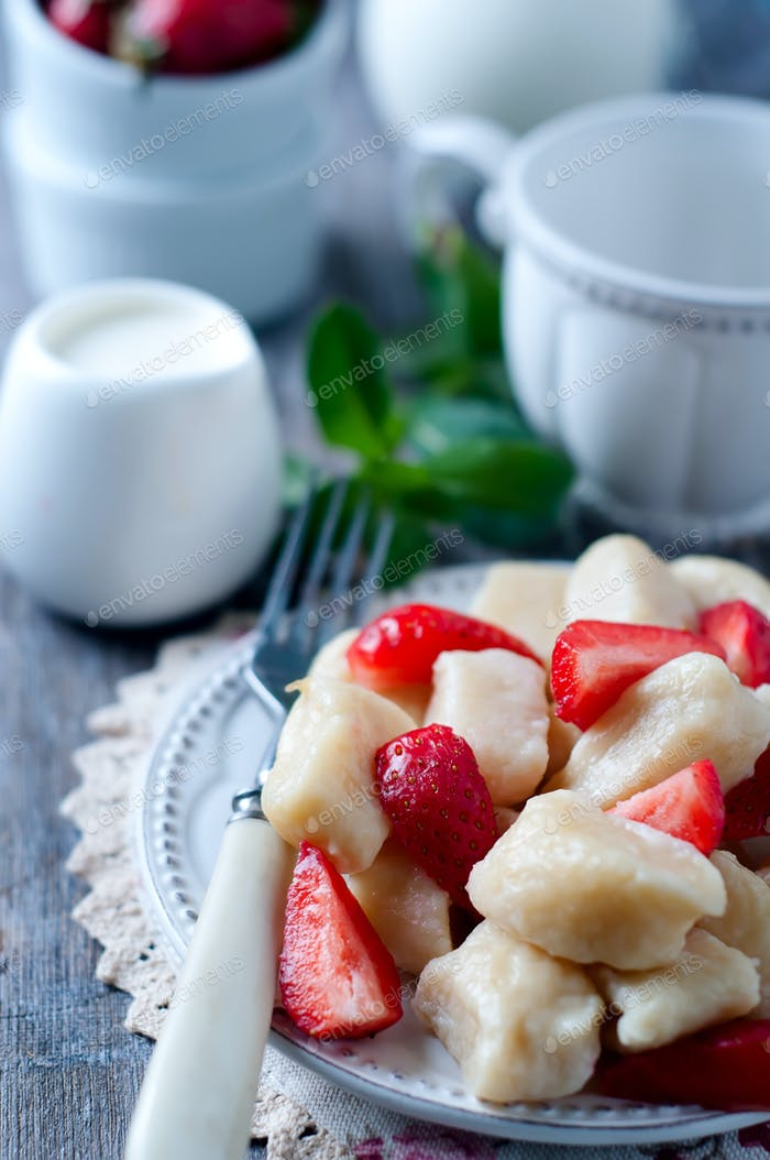 Summer dessert lazy dumplings with cottage cheese
