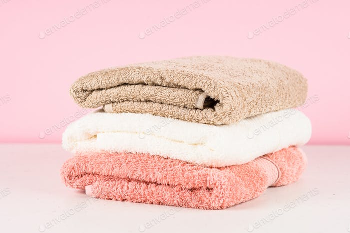 Bath towels at the table