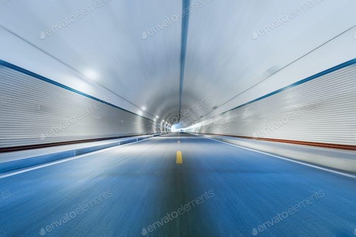 Bewegungsunschärfe im Tunnel