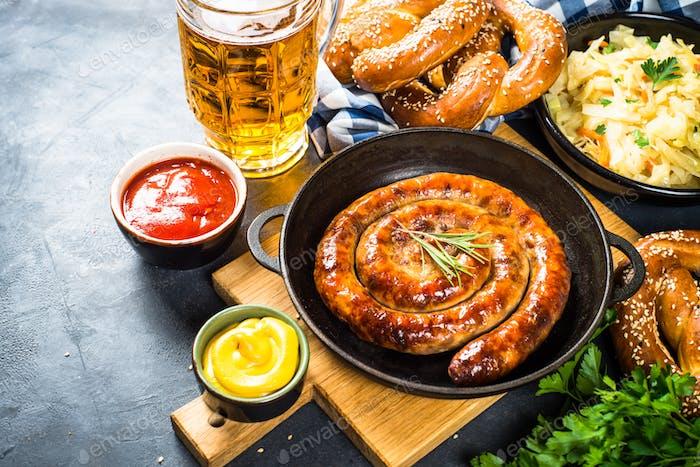Oktoberfest Essen - Wurst, Bier und Bretzel