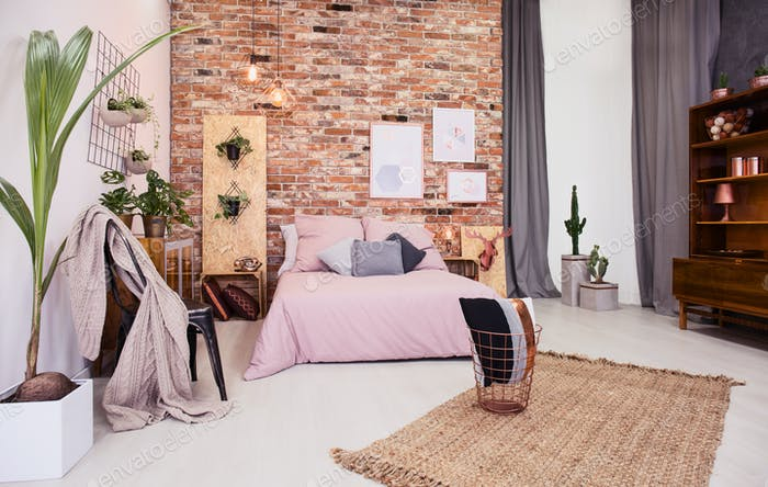 Dusty pink bedroom