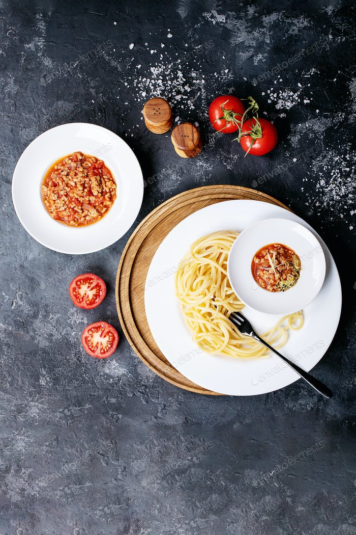 Cooked spaghetti bolognese