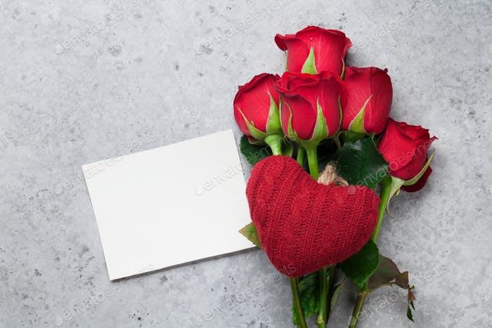 Red rose flowers bouquet and greeting card