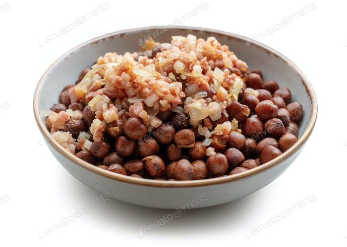 bowl of boiled gray peas