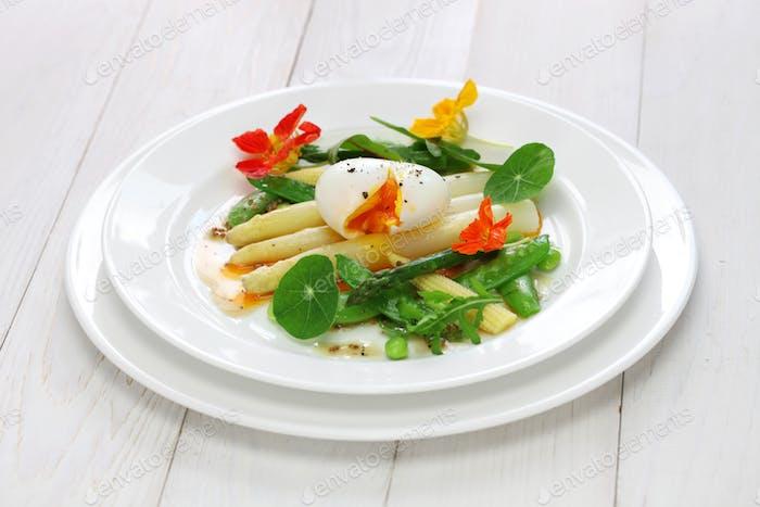 weißer Spargel warmer Salat