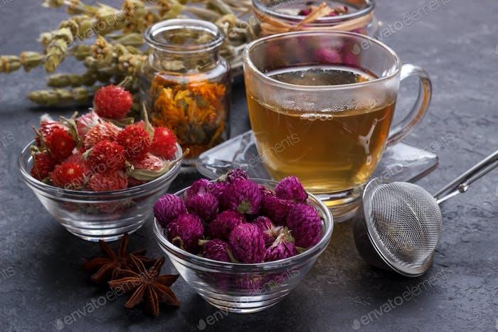 Blumen-Tee