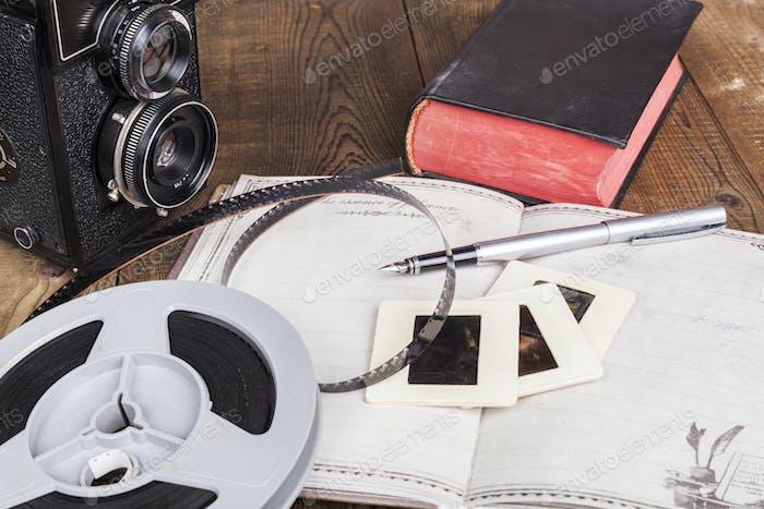 Filmrolle und Kamera