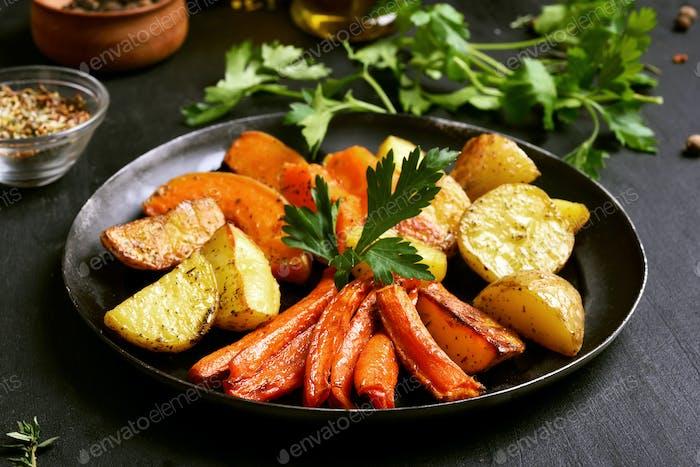 Gebratenes Gemüse in der Pfanne