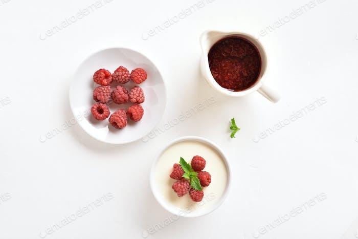 Panna cotta with fresh raspberries