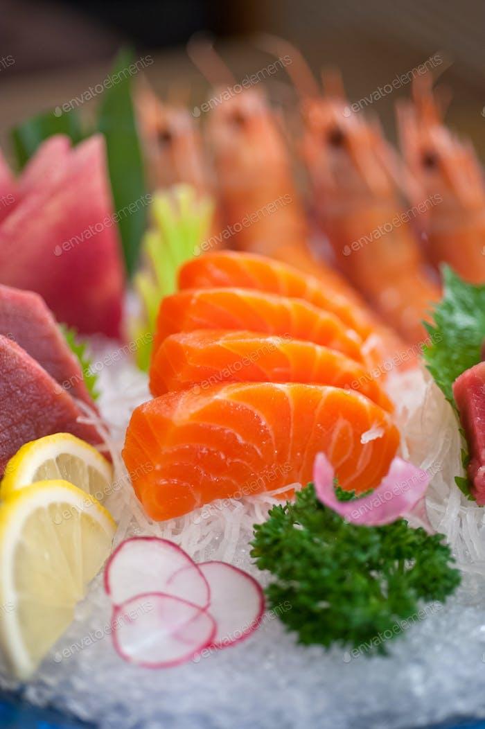 Sashimi-Gericht im japanischen Stil