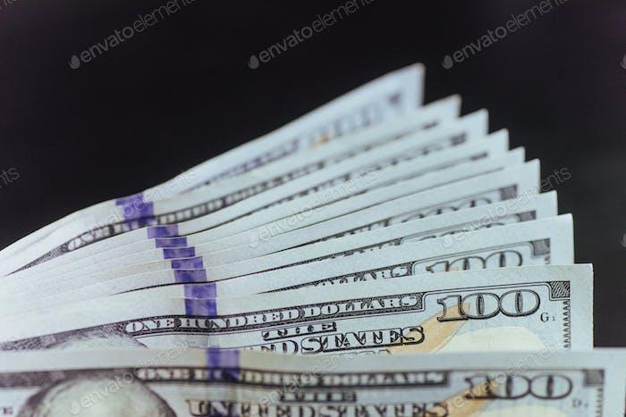 billetes de dólar. Pila de ventiladores.