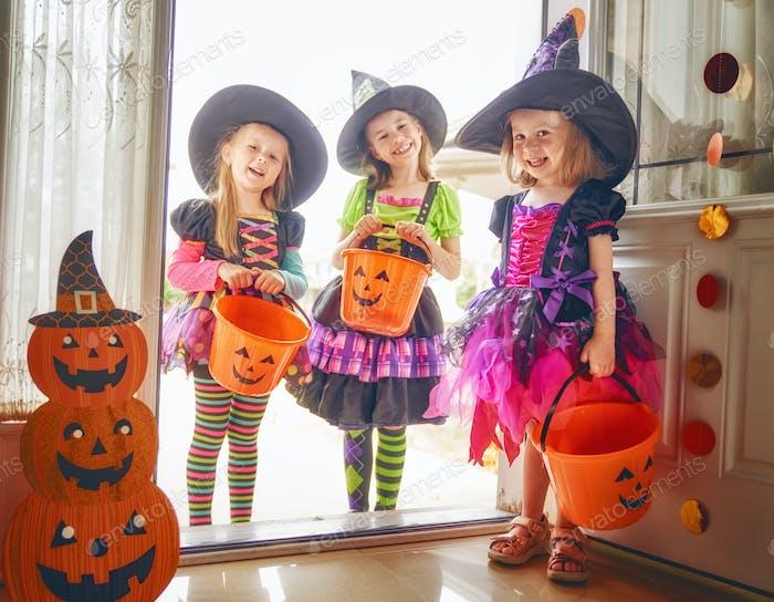 дети на Хэллоуин