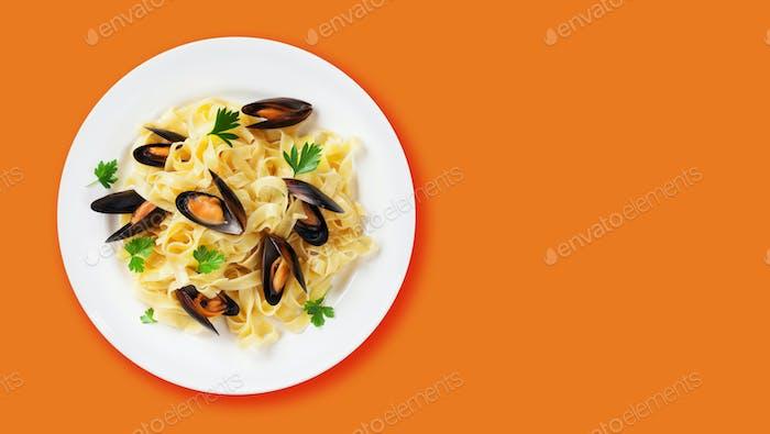 Fettuccine seafood pasta