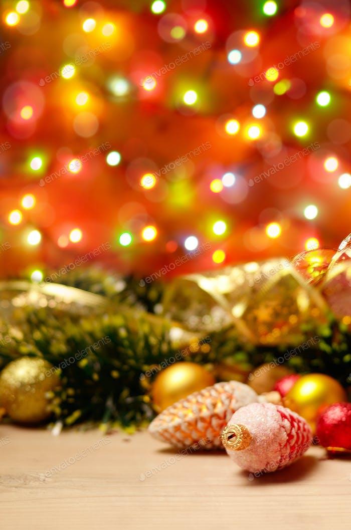 NeujahrThema Dekorationen mit Tannenkegeln
