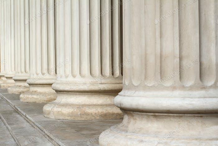 Columnas Clásica cierran la Arquitectura