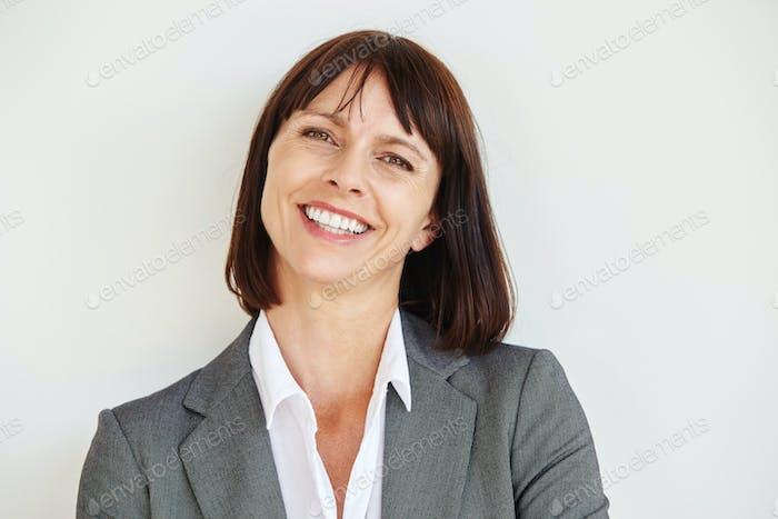 Nahaufnahme Porträt von glücklichen Geschäftsfrau