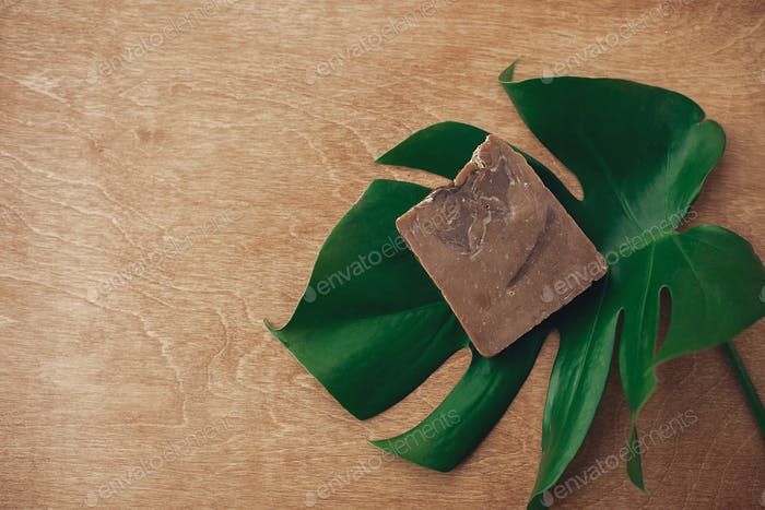 Natural soap, solid shampoo in metal tin, reusable razor, ubtan