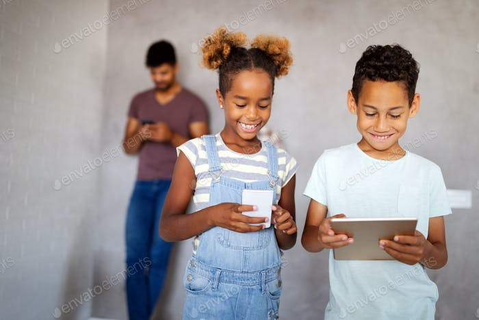 Children who use too much technology, device are not so creative