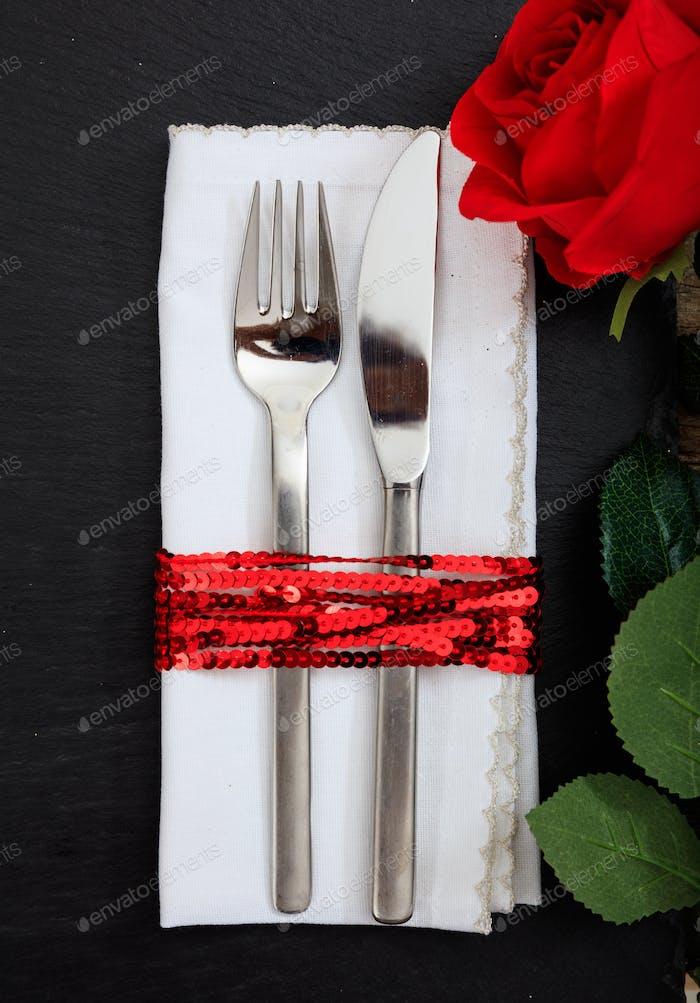 Valentinstag Ort Einstellung auf schwarzem Hintergrund