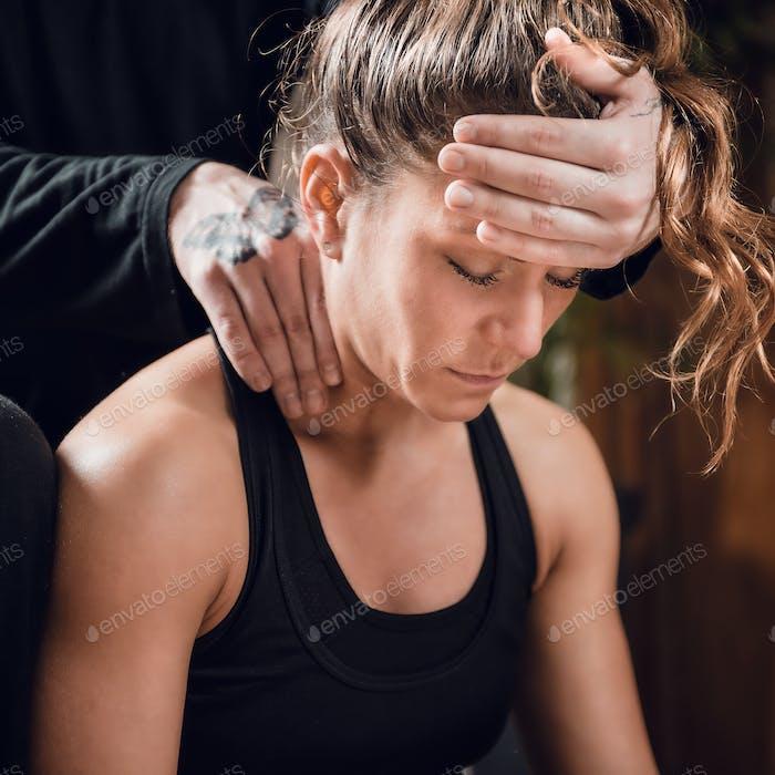 Shiatsu Neck and Shoulders Massage