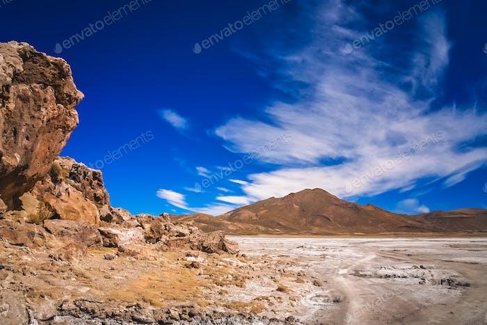 Trockenes Land in den Bergen des Altiplano