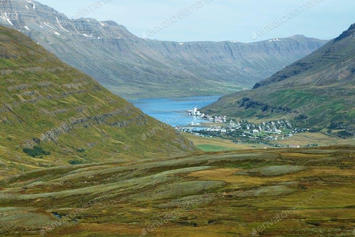 Hafen von Seydisfjordur