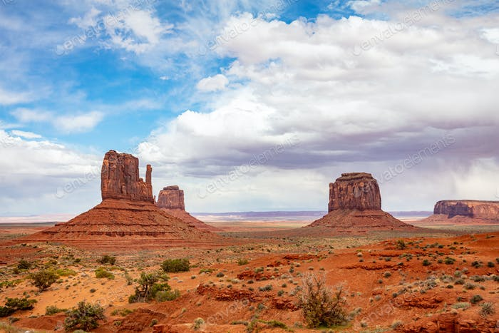 Monument Valley Tribal Park in the Arizona-Utah border, USA