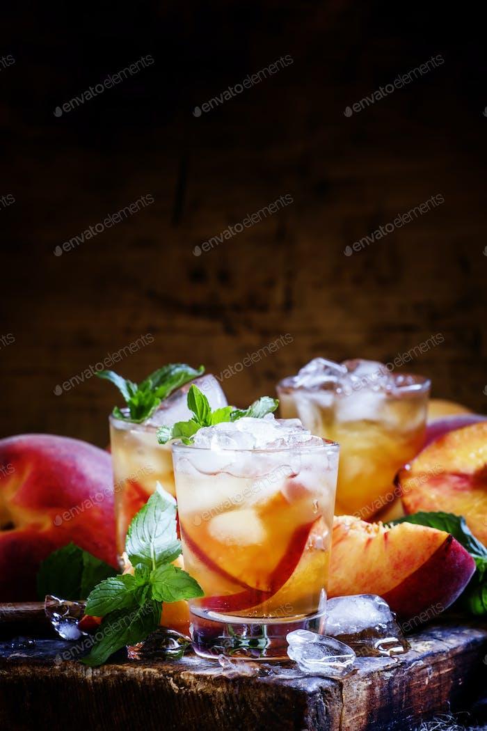 Ice peach tea