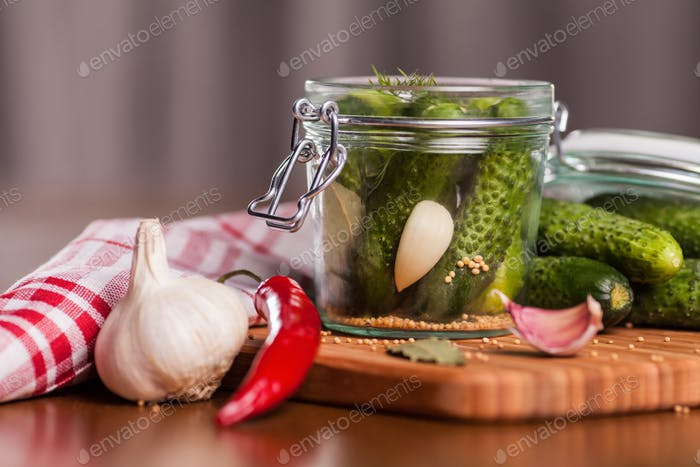 Preparation of homemade pickled cucumbers