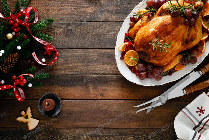 Gebratener Truthahn, festliches Festessen zum Weihnachtsessen