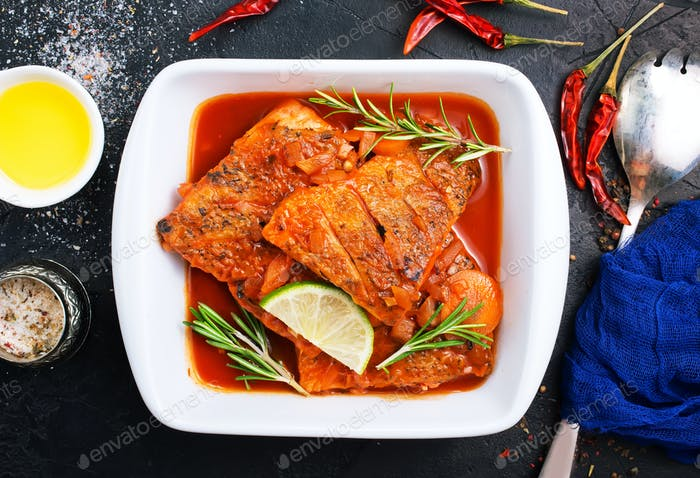 fish with tomato sauce