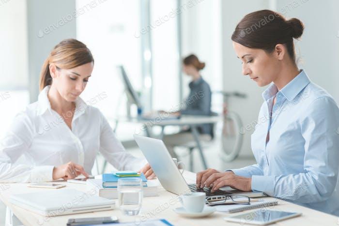 Mujeres empresarias exitosas en Trabajo