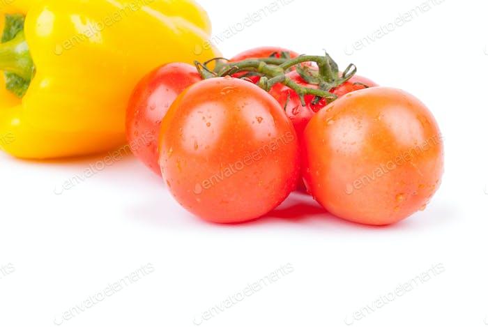 Bündel von roten Kirschtomaten