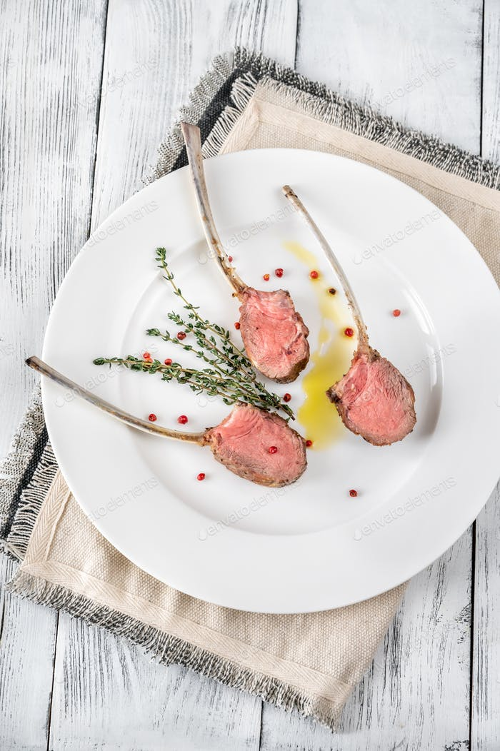 Rack of lamb with thyme
