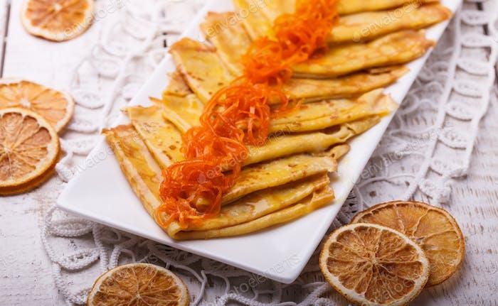 Crepes Suzette, französisches Dessert