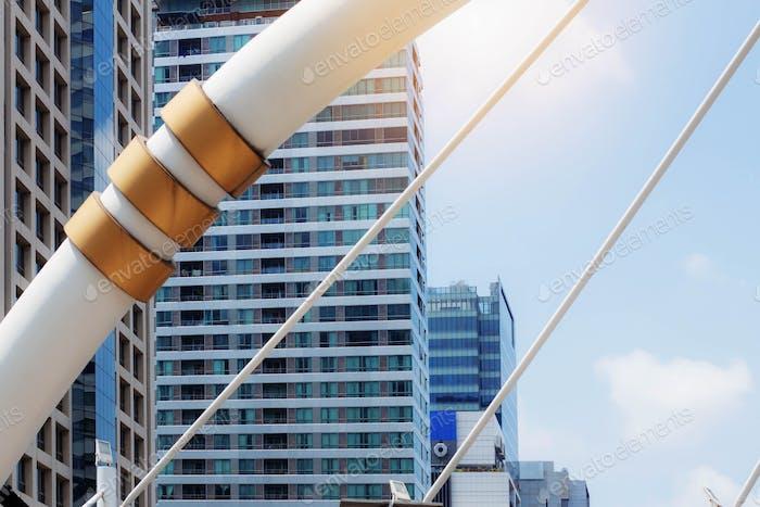 Puentes y Edificios con cielo
