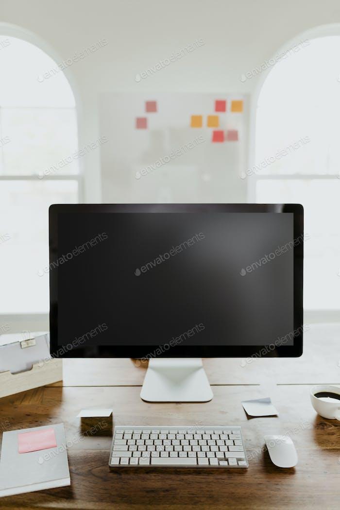 Pantalla de ordenador en blanco