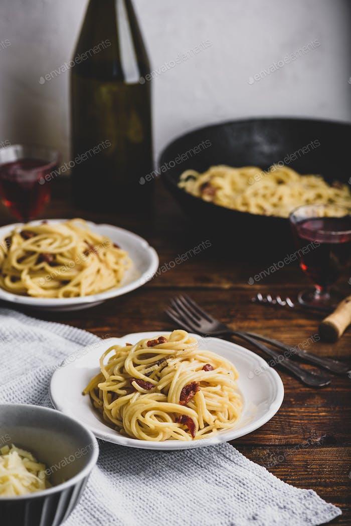 Classic carbonara pasta