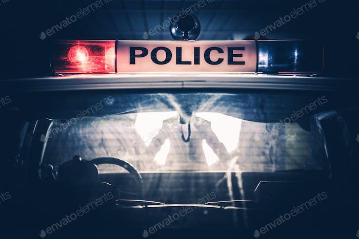 Parada de tráfico de la policía Cruiser