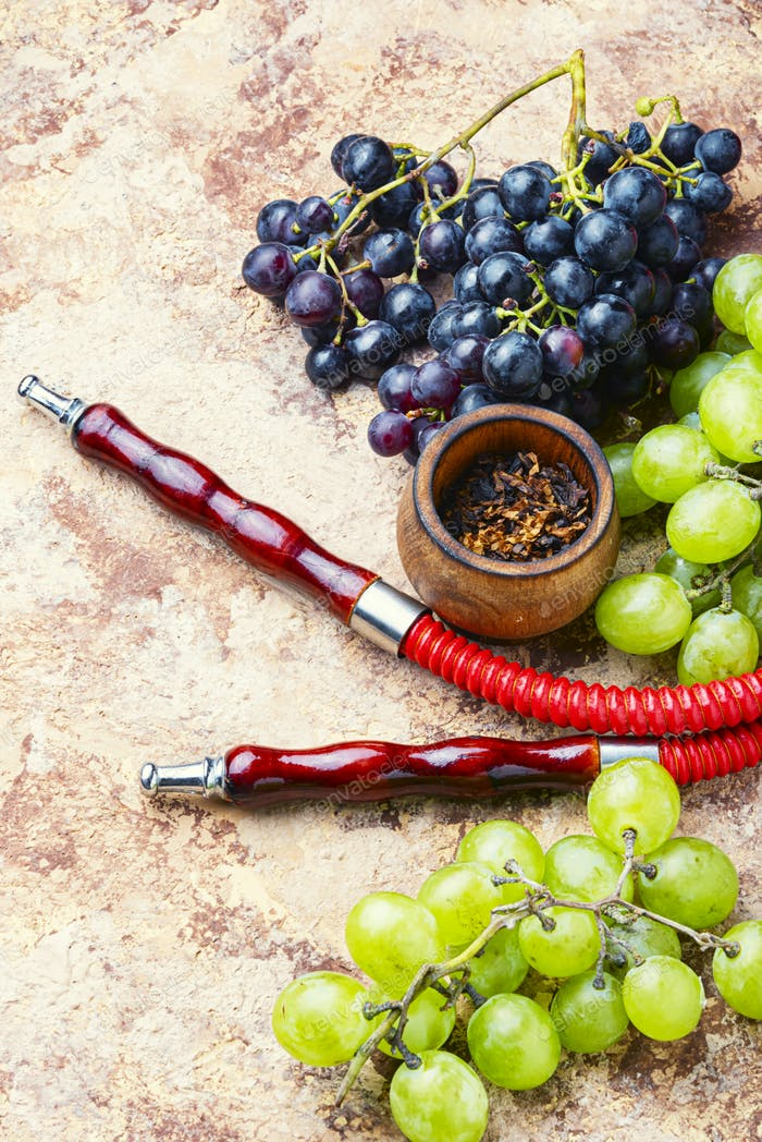 Hookah with grapes flavor