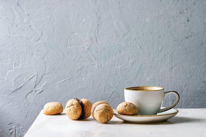 Baci di dama Haselnuss-Kekse
