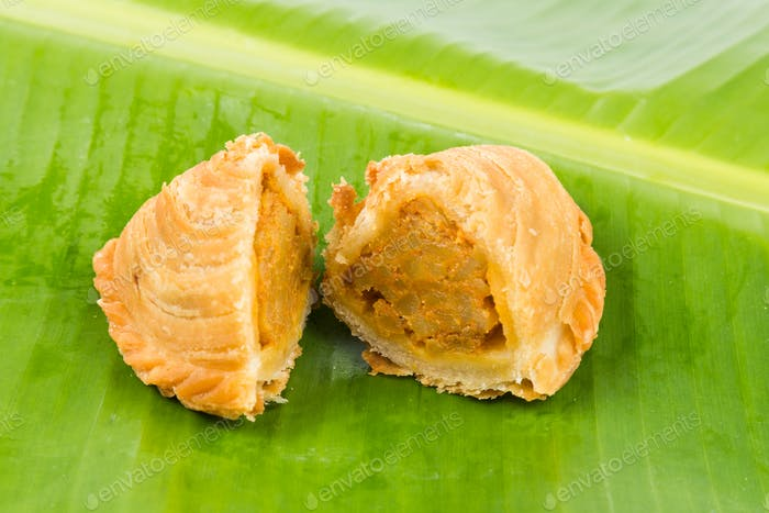 Delicious curry puffs with spicy sweet potatoes fillings