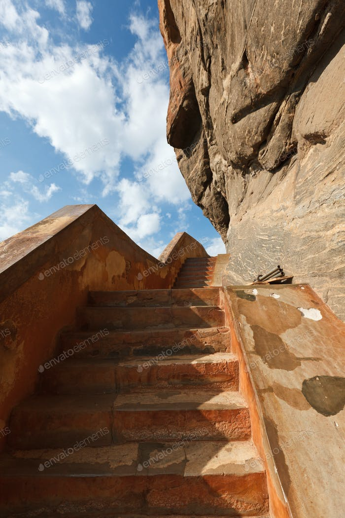Escaleras en Sigiriya