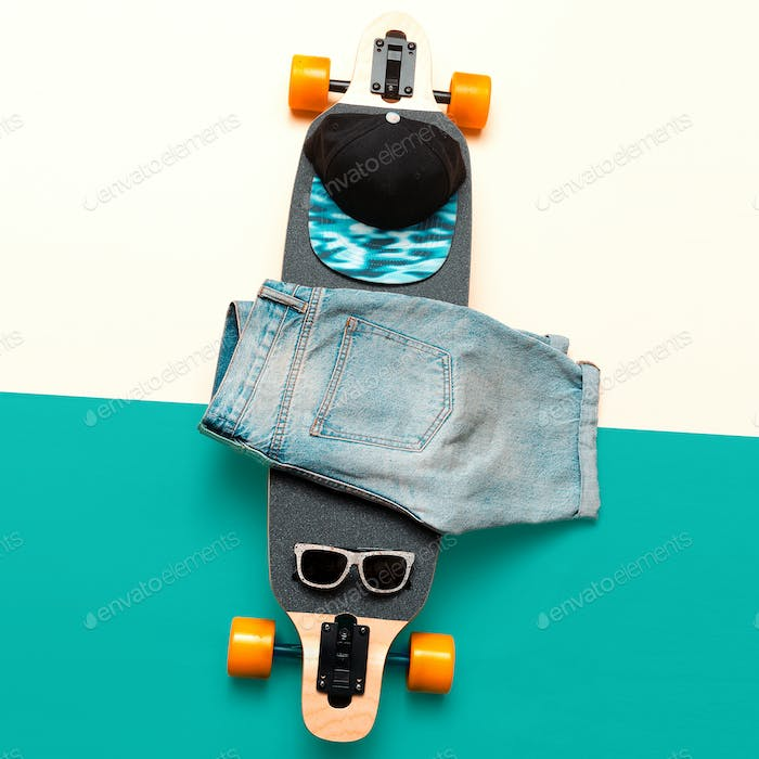 Skateboard, Sunglasses, Cap, Jeans. Love Urban fashion. Minimal