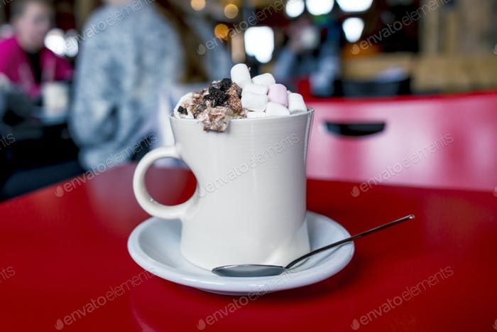 hot chocolate with marshmallows and chantilly