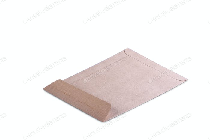 Brauner Papierumschlag isoliert