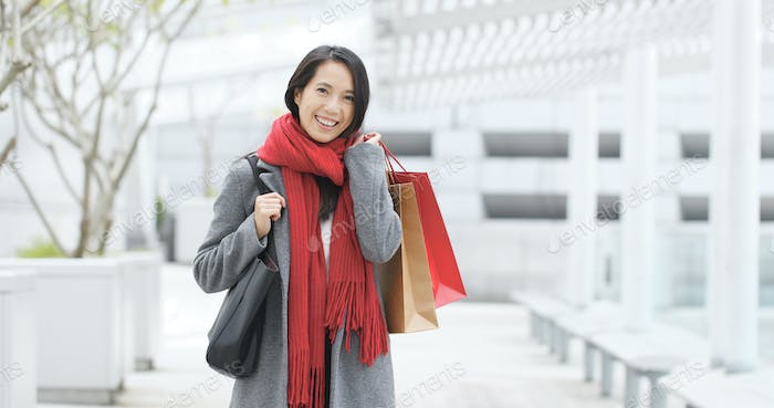 Woman go shopping