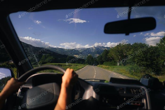 conducir en las montañas